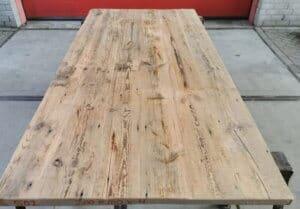 Oud grenen tafelblad